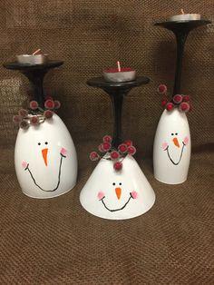 Sostenedor de vela de la Copa de Navidad, juego de 3. Este conjunto de familia adorable muñeco de nieve harán una hermosa pieza central vela