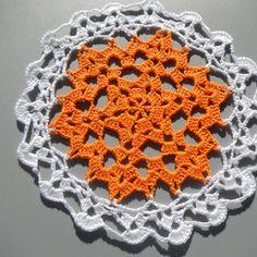 napperon au crochet , napperon pour attrape rève Crochet Earrings, Creations, Blanket, Bobbin Lace, Doilies, Pattern, Blankets, Cover, Comforters