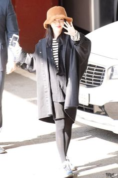 IU very beautiful 💟👌👌👌 Korean Celebrities, Korean Actors, Feel Tired, Kpop Fashion, Korean Singer, How To Fall Asleep, Pretty Girls, Actors & Actresses, Idol
