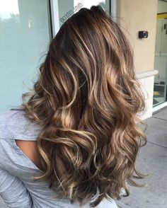 Espresso Balayage with Caramel Tones ❤ Balayage Is The New Hair Trend! Here we have collected our favorite balayage ideas. Ashy Blonde Balayage, Hair Color Balayage, Ash Blonde, Blonde Hair, Blonde Color, Dark Hair, Brown Hair With Balayage, Brown Lob, Balayage Hairstyle
