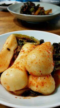 총각김치를 아시나요? Do you know 총각김치[chonggak kimchi], young radish kimchi? This is one of the popular kimchi series in Korea. The meaning of 총각[chong gak] is bachelor or unmarried man. In Korean dictionary, 총각이란, 상투를 틀지 않고 머리를 땋아서 묶은 결혼하지 않은 성년 남자'를 뜻하는 의미. In old Korean culture, married man do hair up in the 상투[sangtu], topknot. Unmarried man braid up their long hair like modern woman's hair. This young radish take after unmarried man's hair style, braid hair. That's why its name became…