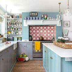 Blue Shaker Kitchen Makeover With Vintage Finds And Dining Area images ideas from Kitchen Decoration Ideas Kitchen Cabinet Styles, Kitchen Cabinetry, Kitchen Flooring, Kitchen Counters, Blue Shaker Kitchen, Shaker Style Kitchens, Dining Area, Kitchen Dining, Kitchen Decor