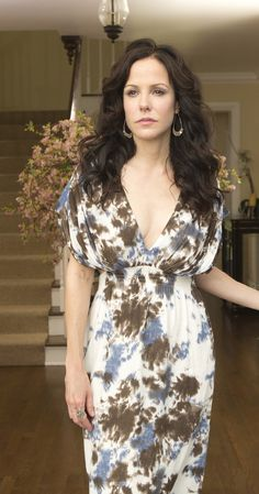 Mary-Louise Parker photos, including production stills, premiere photos and other event photos, publicity photos, behind-the-scenes, and more.