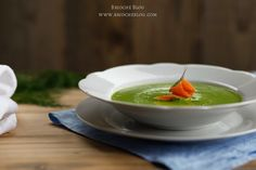Pea soup with smoked salmon