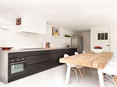 Maatwerk Tafel type Dani - houten balkentafel massief eiken Kitchen Interior, Kitchen Flooring, Kitchen Room, Contemporary Kitchen, Kitchen Dining Room, Kitchen Dining, Kitchen Examples, Home Kitchens, Kitchen Design