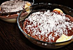 Réteges kókuszos-pudingos piskóta Minion, Tiramisu, Acai Bowl, Ale, Food And Drink, Pudding, Sweets, Breakfast, Erika