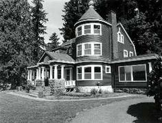 Frederick W. Leadbetter House A Leadbetter residence on Lacamas Lake is a long-time landmark. The family also maintained a house in Portland. Local Museums, Vancouver Washington, Clark County, Old Images, Ghost Towns, Historical Photos, Wwii, Castles, Portland