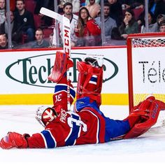 Carey Price's last second acrobatic save on Alex Ovechkin is one of the best photos of the season Hockey Goalie, Hockey Teams, Hockey Stuff, Montreal Canadiens, Baby Yoga Poses, Windsor Hotel, Sports Trophies, Alex Ovechkin, Goalie Mask