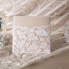 [USD $ 119.99] elegante corte de flores invitación de la boda (juego de 50)
