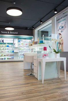 Farmacia Bourdon - TecnyFarma Pharmacy Store, Pharmacy Design, Store Design, Retail, Interior Design, Shops, Ceiling, Exterior, Cosmetics