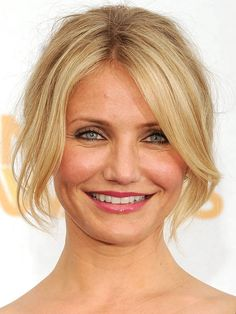 Cameron Diaz curtain bangs: http://beautyeditor.ca/2014/05/22/best-bangs-for-round-face/