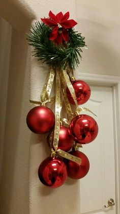 20 Beautiful Christmas Decorating Ideas on A Budget 14 - Christmas Easy Christmas Decorations, Christmas Swags, Silver Christmas, Christmas Centerpieces, Rustic Christmas, Simple Christmas, Christmas Holidays, Christmas Crafts, Christmas Ornaments