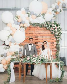 chic wedding backdrop ideas with balloons Wedding Balloon Decorations, Wedding Balloons, Garland Wedding, Wedding Guest Book, Wedding Table, Rustic Wedding, Chic Wedding, Wedding Colors, Wedding Flowers
