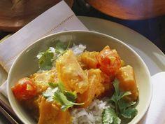 Kürbis-Tomaten-Curry mit Reis ist ein Rezept mit frischen Zutaten aus der Kategorie Fruchtgemüse. Probieren Sie dieses und weitere Rezepte von EAT SMARTER!