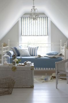 10 Productive Cool Ideas: Blinds For Windows Brown ultra modern blinds.Blinds And Curtains Bohemian brown vertical blinds.Blinds For Windows Kids. Patio Blinds, Diy Blinds, Outdoor Blinds, Bamboo Blinds, Fabric Blinds, Curtains With Blinds, Blinds Ideas, Exterior Blinds, Sheer Blinds