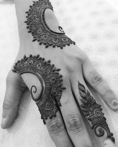 Hina, hina or of any other mehandi designs you want to for your or any other all designs you can see on this page. modern, and mehndi designs Modern Henna Designs, Simple Arabic Mehndi Designs, Henna Art Designs, Indian Mehndi Designs, Mehndi Designs For Girls, Mehndi Designs 2018, Stylish Mehndi Designs, Mehndi Designs For Fingers, Mehndi Design Pictures