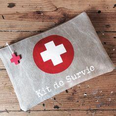 Pochette First Aid Kit en toile de coton épais double face by SOBEN www.sobenstore.com