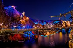Best Tokyo DisneySea Attractions & Ride Guide - Disney Tourist Blog Journey to the center of the Earth