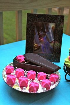 Monster High Birthday: Hot Pink Candy Skulls and Black Chocolate Coffin
