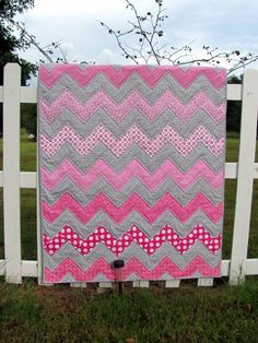 Baby girl Zig Zag quilt but with purple and blue for danilyn and pink and blue for addi and more of a dark to light pattern. Patchwork Quilt, Pink Quilts, Baby Girl Quilts, Quilt Baby, Girls Quilts, Rag Quilt, Chevron Baby Quilts, Crib Quilts, Quilting Projects