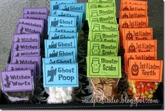 Halloween snacks Chocolate chips as witches warts, mini marshmallows as ghost poop, Cinnamon Toast crunch as monster scabs, and candy corn as Jack-o-lantern teeth. Chocolat Halloween, Sac Halloween, Halloween Taschen, Dulces Halloween, Halloween Treat Bags, Halloween Goodies, Halloween Food For Party, Halloween Birthday, Holidays Halloween