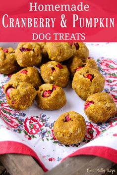 Dog Accessories To Make Cranberry & Pumpkin Dog Treats.Dog Accessories To Make Cranberry & Pumpkin Dog Treats Pumpkin Dog Treats, Diy Dog Treats, Dog Treat Recipes, Dog Food Recipes, Dog Safe Cake Recipe, Homemade Dog Toys, Organic Dog Food, Grain Free Dog Food, Best Dog Toys