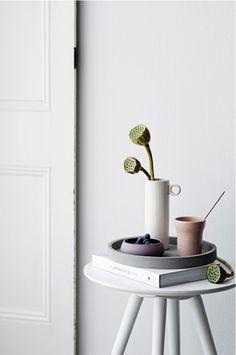 Only Deco Love: Introducing : Zakkia, Handmade Homewares. Kinfolk Style, Round Tray, Scandinavian Home, Handmade Design, Interiores Design, Interior Inspiration, Design Inspiration, Interior And Exterior, Home Accessories