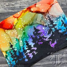 Alcohol Ink Tiles, Alcohol Ink Glass, Alcohol Ink Crafts, Alcohol Ink Painting, Alcohol Markers, Diy Arts And Crafts, Paper Crafts, Diy Crafts, Stencil Printing