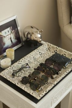 Great idea! (Must do this!) Presenting sunglasses (on @Sally McWilliam McWilliam McWilliam + Molly!) #presentation #organization