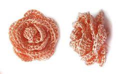 Pequenos pontos: Outra flor de crochê - bolerinho laranja