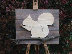 scoiattolo reclaimed wood animal silhouette