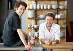 Os chefs canadenses David Côté e Mathieu Gallant lançam livro com receitas do crudivorismo