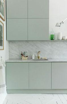 Inspiratieboost: een minimalistische look met een keuken in ton sur ton - Roomed