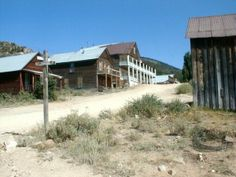 Silver City - Idaho Ghost Town about an hour from Boise Old Buildings, Abandoned Buildings, Abandoned Places, Silver City Idaho, Ghost Towns Of America, West Town, Haunted Places, Old West, Beautiful Places