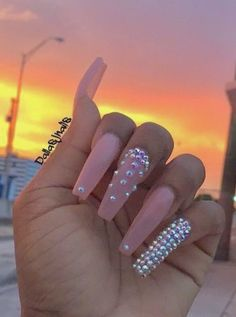 What manicure for what kind of nails? - My Nails Long Nail Designs, Acrylic Nail Designs, Coffin Nails Designs Summer, Aycrlic Nails, Swag Nails, Rhinestone Nails, Bling Nails, Nagellack Design, Fire Nails