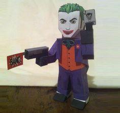 The Joker Custom Paper Toy - by Wackywelsh - via DeviantArt        Inspired by Xavier Gale-sides original template, here is the Joker Paper toy, created by canadian designer Wackywelsh.