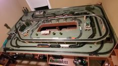 Really Cool Lionel O Gauge Layout w/double reverse or 3 loops Ho Trains, Model Trains, Lionel Trains Layout, Ho Train Layouts, Train Table, Long Time Friends, Electric Train, Train Set, Vintage Models