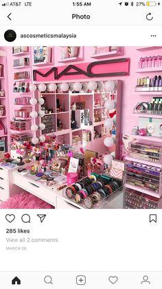 Fabulous Makeup Storage Design Ideas To Keep Your Makeup - Top Fabulous. - Fabulous Makeup Storage Design Ideas To Keep Your Makeup – Top Fabulous Makeup Storage D - Makeup Room Decor, Makeup Rooms, Makeup Storage, Makeup Organization, Makeup Collection Storage, Makeup Kit, Diy Makeup, Ikea Makeup, Makeup Tray
