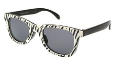 The Snap 18 is a pair of universal sunglasses made by Foster Grant that deliver a funky zebra print with a classic black arm. The retro, plastic, full frame is guaranteed to provide you with the style and spunk you've been dreaming about.