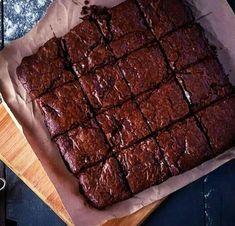 The Best Fudgy Keto Brownies Best Vegan Brownies, Vegan Fudge, Fudge Brownies, Chocolate Brownies, Chocolate Donuts, Vegan Sweets, Sweets Recipes, Brownie Recipes, Vegan Desserts