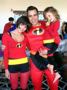 Jessica Alba and her family as The Incredibles for Haloween 2012.