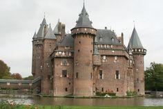 Castles Hear more from me: http://totallytrevia.com http://FB.me/totallytrevia Instagram & Twitter @Tish Hawks Obiri Trevia