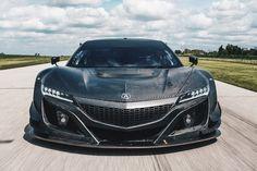 アキュラ、無塗装カーボンファイバー製ボディでテスト中の新型レース用車両「NSX GT3」を公開 - Autoblog 日本版