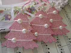 Pink Glittery Christmas Trees – The Best Ideas Pink Christmas Tree, Shabby Chic Christmas, Christmas Gift Tags, Christmas Holidays, Pink Christmas Decorations, Christmas Mantles, Victorian Christmas, Vintage Christmas, Christmas Projects
