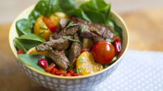 Got beef with salads? This Operation Transformation recipe will change your mind. Great Dinner Recipes, Asian Beef, Beef Salad, Potato Dishes, Salads, Potatoes, Meat, Fruit, Healthy
