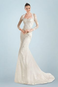 magnificent-queenanne-neckline-wedding-gown-with-decent-lace-appliques