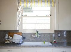 5 Habits For Keeping Clear Countertops
