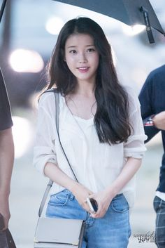 160705 IU @ Moon Lovers - Scarlet Heart Ryeo Ending Party by 윤민후 Iu Fashion, Korean Fashion, Korean Airport Fashion, Trendy Fashion, Korean Beauty, Asian Beauty, Korean Girl, Asian Girl, Foto Pose