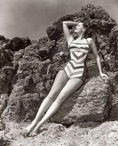 at the beach Olivia Havilland, Whitney Blake, Karen Steele, Dolores Hart, Lee Meriwether, Arlene Dahl, Gloria Dehaven, Joan Leslie, Donald O'connor