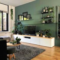 Deco ♢ Farben und Holz Raphal Raum Ideas On How To Use Container Gardening To Decora Living Room Green, Living Room Tv, Home And Living, Interior Design Living Room, Living Room Designs, Salas Lounge, Living Room Inspiration, New Homes, House Design